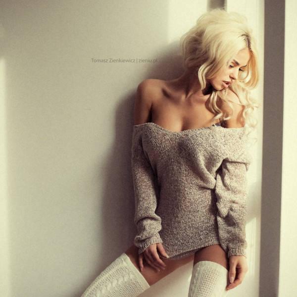 model: Monika Synytycz, photo: Tomasz Zienkiewicz | http://zieniu.pl. Shot @zieniu studio, Warsaw, Poland